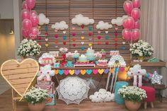 "Catálogo de Festas on Instagram: ""Chuva de amor por @colinaparkfestas .  #catalogodefestas #chuvadeamor #chuvadeamorparty #festachuvadeamor #festainfantil #decorinfantil…"""