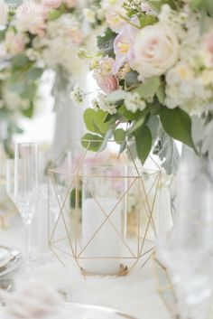 Gold geometric candleholder decor for a wedding table! NORDIC LOVE: MARBLE & GEOMETRIC WEDDING THEME www.elegantwedding.ca