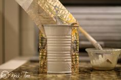 napkin decoupage on tin can