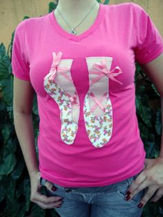 Camiseta em malha super macia de Santa Catarina, aplique de  tecidos de algodão bordado . Aceitamos encomendas em outras cores e  tamanhos.. R$ 35,00