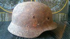 Relic WW2 WWII ORIGINAL German ARMY M35 Stahlhelm Helmet BATTLE DAMAGED LINER