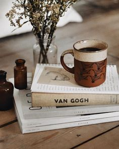I really like van gogh, he was and is my fav artist. I love this because it shows the artist side of me , flower, books, and the tea feature. Book And Coffee, Coffee Time, Coffee Shop, Hot Coffee, Autumn Aesthetic, Book Aesthetic, Cream Aesthetic, Angel Aesthetic, Hygge