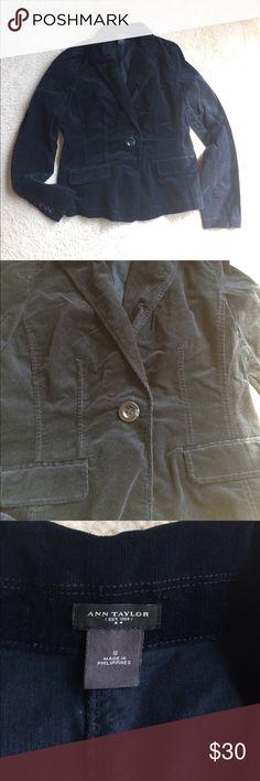 Ann Taylor velvet blazer jacket Ann Taylor blazer jacket • micro-corduroy for a velvet • deep navy blue • one-button closure • pockets still sewn closed • excellent condition • fast same/next day shipping Ann Taylor Jackets & Coats Blazers