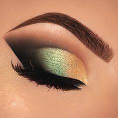 "4,942 Me gusta, 53 comentarios - ⭐Youtuber ▪ Make Up Artist (@melissasamways) en Instagram: ""Gold & Green Eyes + Perfect Skin | Melissa Samways Link in my Bio Subscribe Em breve no…"""