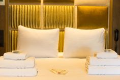 Rainfall Shower, King Size, Bed Pillows, Pillow Cases, Rooms, Luxury, Pillows, Bedrooms