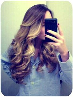 long wavy hair / ombré hair / balayage highlights / brown and blonde hair color / summer / sun-kissed / curly