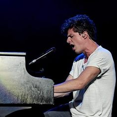 entertainmentweekly: Charlie Puth dedicates emotional See You Again performance to Christina Grimmie The audience joined in as Puth reached the chorus of the song which reached No. 1 on the Billboard Hot 100 in Charlie Puth, Christina Grimmie Songs, Z Cam, Playing Piano, Billboard Hot 100, Big Sean, Thats The Way, Best Friend Goals, Fifth Harmony