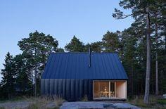 Modern summer home in the outer Stockholm Archipelago. Architects: Tham & Videgård Arkitekter