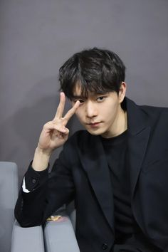 Korean Male Actors, Handsome Korean Actors, Korean Actresses, Asian Actors, Actors & Actresses, Drama Korea, Korean Drama, Ahn Hyo Seop, Ideal Boyfriend