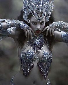@yazzminnewell in my fairytale world #agnieszkalorek #ornaments #shoot #in #brecon #wales #costumejewelry #costume #darkqueen #fantasy #fairytale #fashionkiller #loveit #amazingly #female #dark #beauty