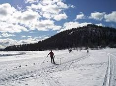 Skiing on the lake Immeljärvi.