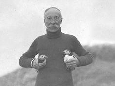 Le premier militant LPO  En 1912, la LPO crée la première réserve ornithologique en réaction au massacre des Macareux moines dans l'archipel des 7 îles, en Bretagne. Il est devenu  le symbole de l'association.