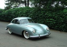Porsche 356 Mais I could fuck this car. Porsche 356 Speedster, Porsche 356a, Porsche Carrera, Vintage Porsche, Vintage Cars, Antique Cars, Porsche Sports Car, Porsche Cars, Datsun 240z