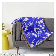 Blue Retro Crop Circle Throw Blanket