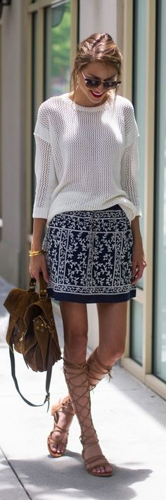 Women's fashion | White crochet sweater, printed skirt and roman sandals