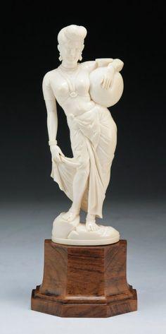Antique Indian Carved Ivory Figure : Lot 116