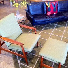 Hans Olsen four seater leather sofa. Paul Volther model 340 arm chair.  #angelucci20thcentury #midcentury #danishdesign #design #vintage #marimekko #interiors #furniture #interiordesign #restored