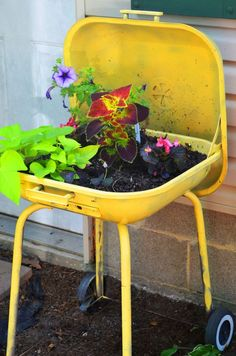 Painted+Tire+Planters | Painted Charcoal Grill.