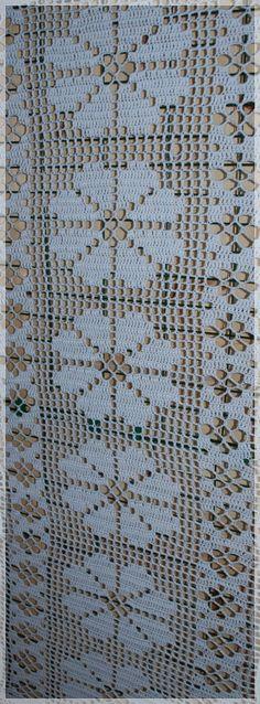 Christmas Table Runner - Crochet Doily - Crochet Tablecloth - Christmas Doily - Red Table Decor - Patterned Table Runner X In Filet Crochet, Crochet Doily Rug, Crochet Curtains, Crochet Tablecloth, Crochet Squares, Crochet Home, Crochet Stitches, Doily Patterns, Crochet Patterns