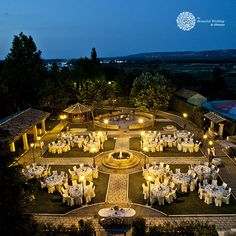 It's the typical castle from fairy-tales… but real, it's recognised as being one of the most beautiful castles of Central Italy. Love Promise, Beautiful Castles, Under The Stars, Italy Wedding, Wedding Ceremony, Fairy Tales, Dolores Park, Marriage, Mariage