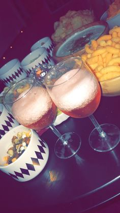 Alcohol Aesthetic, Snap Food, Food Goals, Photos Tumblr, Yummy Drinks, I Foods, Snapchat, Foodies, Alcoholic Drinks