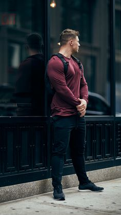 Steve Cook wearing the Fit Tapered Bottoms in Black.
