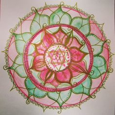 Happy weekend! Lovely balancing green and pink for today's mandala for the heart chakra. #100daysofmandalas #the100dayproject xx