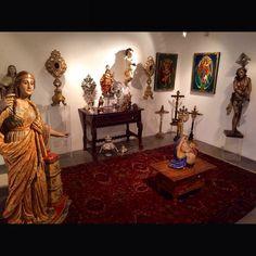Exposição da Dutra leilões , com os mais lindos tipos de arte sacra . São Paulo . #arte #artesacra #dutra #iarremate #leilao #auction #vogue #luxury #escultura #exposicao #decor #igreja #antiques