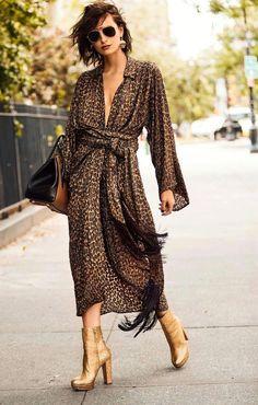 Fall Fashion 2016, Fashion Week, Fashion 2020, Womens Fashion, Vestidos Animal Print, Fashion Prints, Fashion Design, Leopard Dress, Casual Chic Style