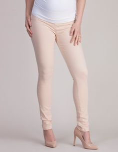 Soft & Stretchy Blush Under Bump Maternity Jeans #Seraphine #Style #BumpStyle