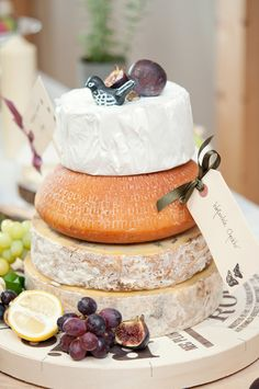Rustic Relaxed Homemade Wedding Cheese Cake http://www.sarareeve.com/