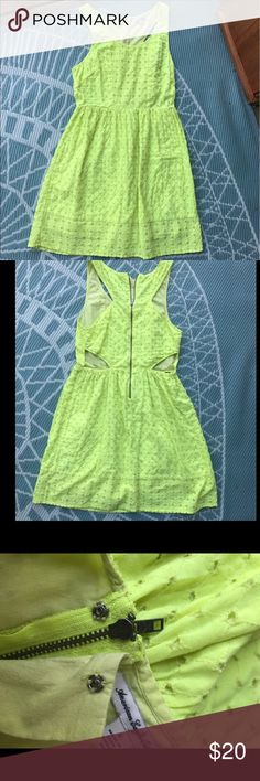 American Eagle yellow sundress Size 8 yellow dress. The zipper and button work perfectly. Super cute cut outs on the back. Perfect summer dress! American Eagle Outfitters Dresses
