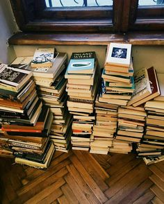 Pinterest: us.nilep Stack Of Books, I Love Books, Good Books, My Books, Books To Read, Book Aesthetic, Coffee And Books, Book Nerd, World Of Books