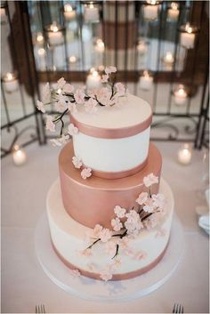 cherry blossoms and rose gold wedding colors inspiration, spring wedding cakes Mod Wedding, Rustic Wedding, Trendy Wedding, Wedding Vintage, Wedding Gold, Rosegold Wedding Cake, Perfect Wedding, Wedding Reception, Wedding Pastel