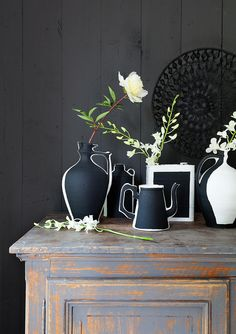 #paper vases? No! Real ones painted! Photography by Jansje Klazinga for #vtwonen #Magazine, Idea and Styling Frans Uyterlinde