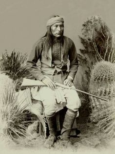 Naiche apache warrior married to Geronimo 's daughter