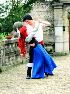 A dance by ~Vanne Ariel and prince Eric cosplay
