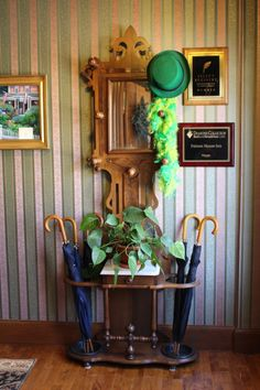 To all of you St. Patrick's Day fans, come hang your hat up for a while at the Palmer House Inn and enjoy some of the best hospitality on the Cape right here in Falmouth Village.
