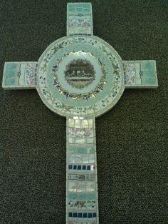 Mosaic cross Vickie Schaffeld Holbrook design Crosses Decor, Wall Crosses, Old Rugged Cross, Cross Heart, Sign Of The Cross, Mosaic Crosses, Words Of Jesus, Cross Crafts, Mosaic Projects