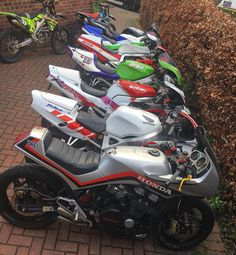 When post about your fleet 👍🏽👍🏽 good day at SKON HQ - Harley Davidson Motorcycles, Custom Motorcycles, Custom Bikes, Cars And Motorcycles, Retro Motorcycle, Classic Motorcycle, Honda Cbx, Super Bikes, Bike Life