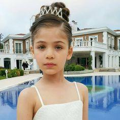 Turkish Actors, Princess, Fashion, Istanbul Turkey, Places To Visit, Moda, Fashion Styles, Fashion Illustrations, Princesses