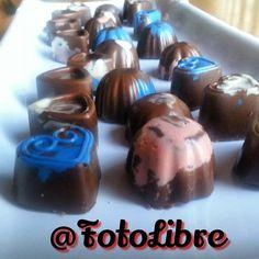 #bombones #chocolate #trufas #truffles #sweet #delicious #dessert #academic #curso #taller Reposted Via @fotolibre