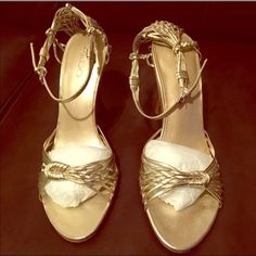 Aldo light gold heels Aldo light gold heels with original box    Worn only twice                                                 FEEL FREE TO MAKE AN OFFER ALDO Shoes Heels