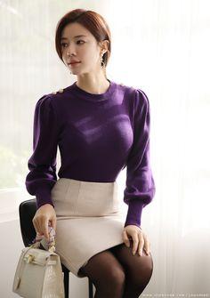 ( *`ω´) ιf you dᎾℕ't lιkє Ꮗhat you sєє❤, plєᎯsє bє kιnd Ꭿℕd just movє ᎯlᎾng. Korea Fashion, Asian Fashion, Korean Beauty, Asian Beauty, Glamour Ladies, Elegantes Outfit, Cute Asian Girls, Winter Fashion Outfits, Beautiful Asian Women