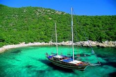 Yacht charter in Turkey along Bodrum, Marmaris and Greek Islands. Gulet yachts in Turkey. Rent a gulet boat for a cruise holiday in Turkey Holiday Destinations, Amazing Destinations, Istanbul, Turkey Tourism, Costa, Boat Hire, Turkey Holidays, Yacht Cruises, Sailing Trips
