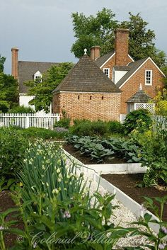 Historic Colonial kitchen garden in Williamsburg @TheDailyBasics ♥♥♥ @Cayla Priest Hatter Works ♥♥♥ #ClassicLivingStyle