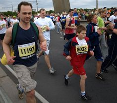 Kids pushing through.   The 37 Happiest Things You See While Running A Marathon