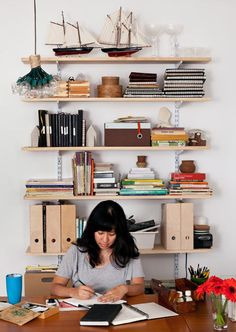 desk in front of, not facing, shelves Built in desk inspiration with lots of shelving The Teacher Organizer: Objectives Board MacBook Rustic. Elfa Shelving, Office Shelving, Office Shelf, Open Shelving, Desk Inspiration, Interior Inspiration, Desk Layout, Built In Desk, Space Crafts
