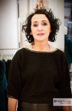 Jesienne Metamorfozy w Galerii Olimpia w Bełchatowie. Z uczestnikami pracowała stylistka Krysia Bajor, stylista fryzur Jacek Olejniczak, zaś piękne makijaże robiła Gosia Jakubowska. Nowe kreacje wizerunkowe nasi uczstnicy zaprezentowali podczas wielkiego finału.  #metamorfozy #fashion #wizerunek #kreacja #wizaż #makeup #session #hairstyle #olimpia #lilla #event #final #changes #gatta #douglas