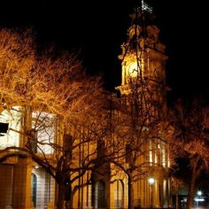 Bendigo at night Moving To Australia, Australia Travel, Colonial Architecture, Victoria Australia, Great Stories, Homeland, Regional, Beautiful World, Places To See